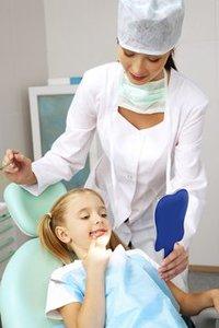 На приеме у стоматолога фото